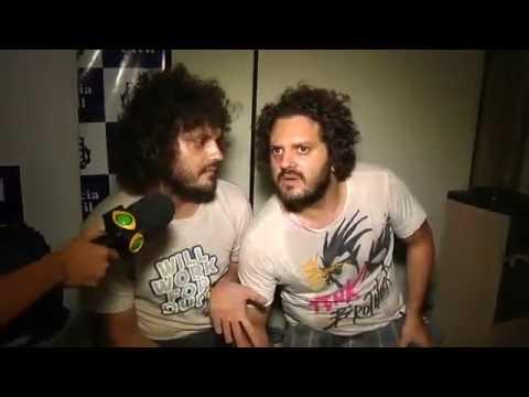 Brasil Urgente - Diogo e Diego  Os Gêmeos Muito Doidos (ORIGINAL!!) Music Videos