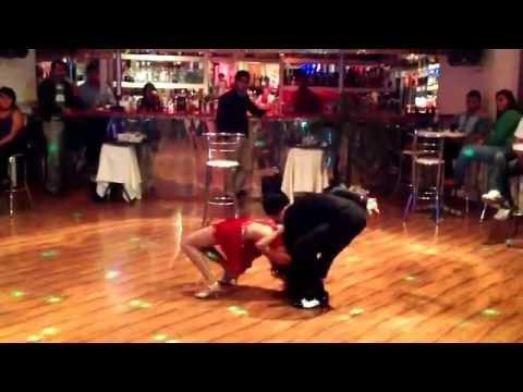 Viernes salsero en Dash bar, ballet de la academia FREEDOM 05/04/13