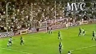 Maradona passing