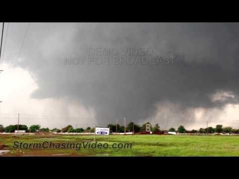 5/20/2013 Escape from the Deadly Moore, OK Tornado Traffic Jam