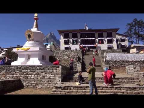 Everest Base Camp Trekking in Nepal / Lukla to Mount Everest Base Camp Trek