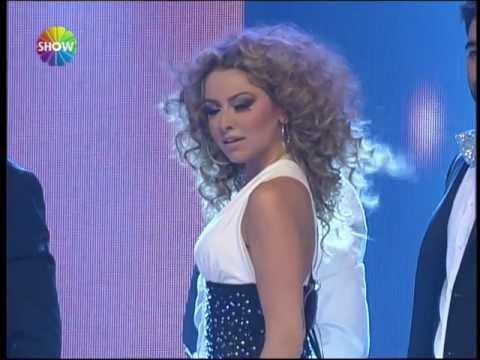 Hadise - Düm Tek Tek (Show TV 2012 Yılbaşı Konseri)