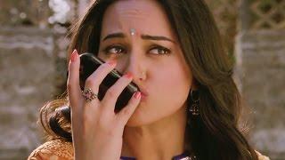 download lagu Sonakshi Sinha's Viral Kiss gratis
