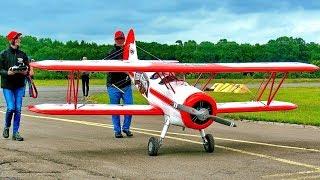 GIGANTIC XXXL RC SCALE MODEL BOEING STEARMAN RED BARON PIZZA STEARMAN FLIGHT DEMONSTRATION