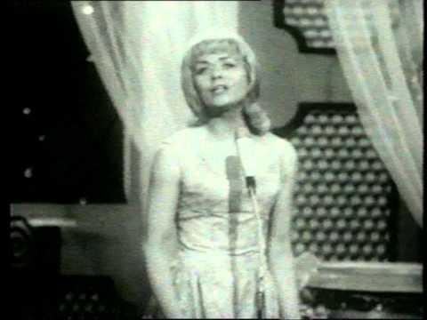 1962 Eurovision France - Isabelle Aubret - Un premier amour HQ