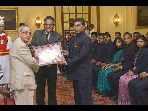 SlideShow-Hon'ble President meets ProbationaryOfficersOf-IOFS-@RashtrapatiBhavan