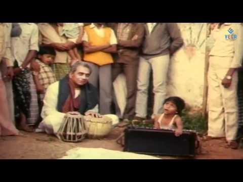 Kadaikan Parvai - Illavarasi Meets Pandiyan video