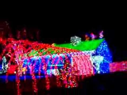 HUGE CHRISTMAS LIGHT DISPLAY OREGON OHIO HOLLY ST OH