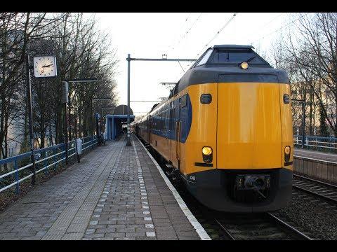 Een overzicht van de treinenloop op diverse Stations in Nederland: Almere Buiten, Weesp, Abcoude, Breukelen, Utrecht Centraal, s hertogenbosch, Breda, Rotter...