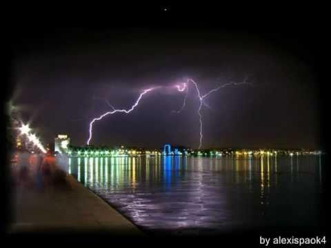 Преглед на клипа: Vasilis Karras - Vrexei Sti Thessaloniki