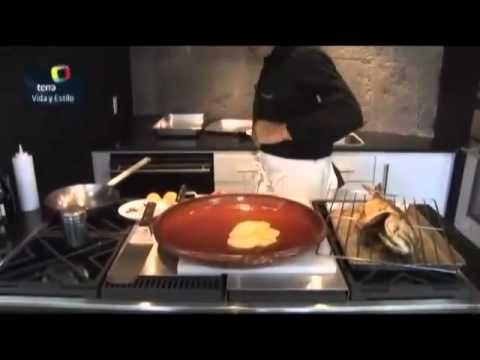 El chef Pablo San Román te da la receta del pescado al ajo.mp4