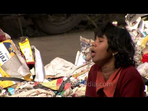 Life in trash : Delhi rag pickers