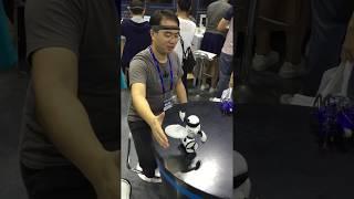 Điều khiển robot bằng sóng não