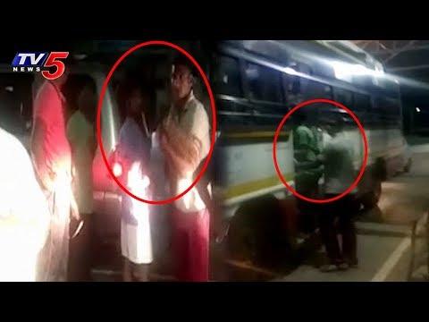 అర్ధరాత్రి తమిళ్ పోలీసులు హల్చల్.. భయాందోళనలకు గురైన భక్తులు..! | Tirumala | TV5 News