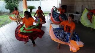 grupo Parauaras da 3 idade Belém do para dancarinas de 64 anos ha 78.