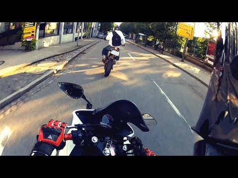 City Race: Honda Cbr 125 vs Yamaha DT125   GoPro HD