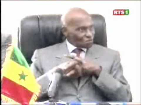 Abdoulaye Wade ridiculise Oumar Sarr de REWMI