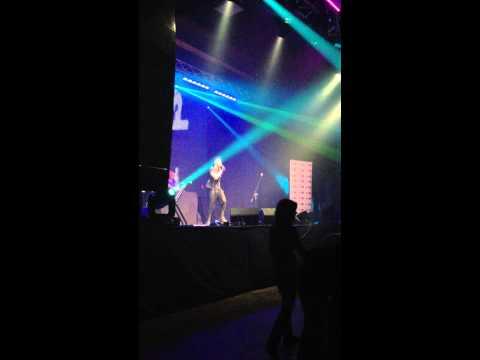 Коткин отжигает на сцене