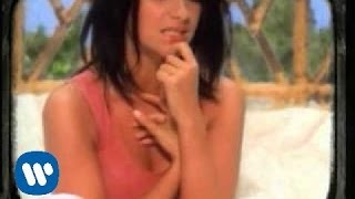 Watch Laura Pausini Surrender video