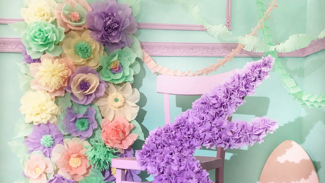 Цветы для гирлянды из гофрированной бумаги своими руками 9