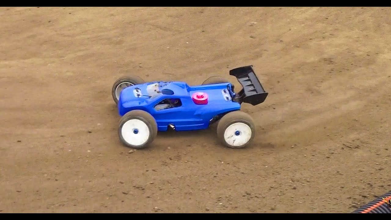 RC ADVENTURES - RC GEARS - DiRT TRACK - NiTRO Truggy ...