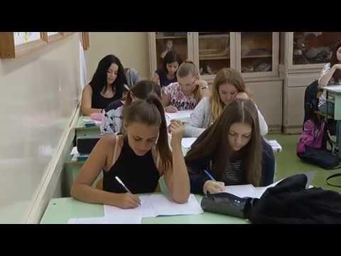 Hajdúnánási Televízió: Középiskolai tanévkezdési körkép 2017.09.08.