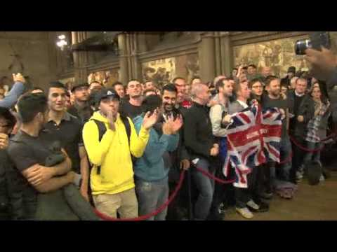 'THERE'S ONLY ONE RICKY HATTON - FANS AT THE WEIGH-IN / HATTON v SENCHENKO / iFILM LONDON