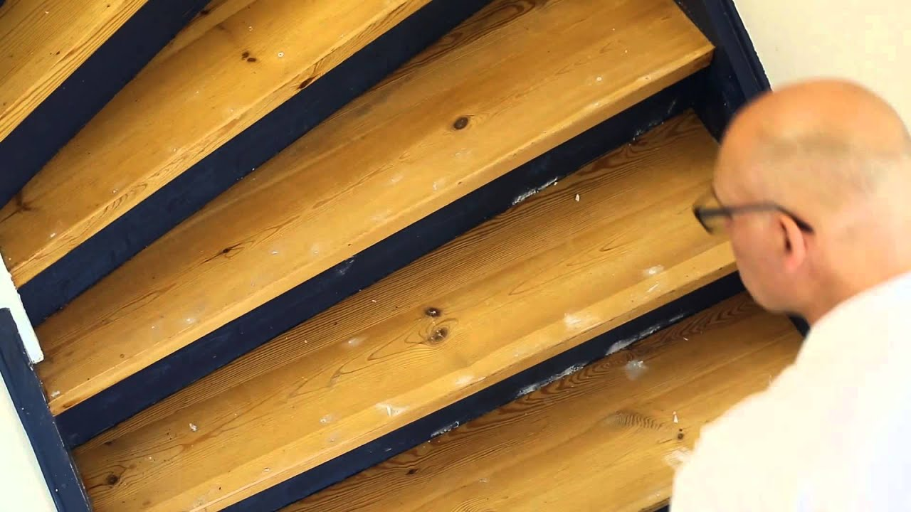 Покрыть лаком деревянную лестницу своими руками 54