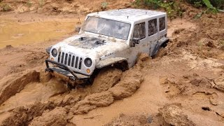 RC Jeep Wrangler JK in mud Axial scx10