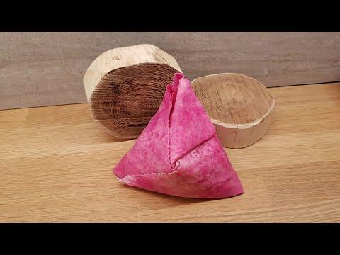 Beeswax food wrap: Pocket and pyramid fold