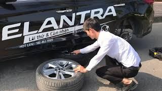 Cách thay lốp dự phòng trên xe Hyundai 0946.467.158