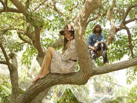 Angus & Julia Stone - Campfire