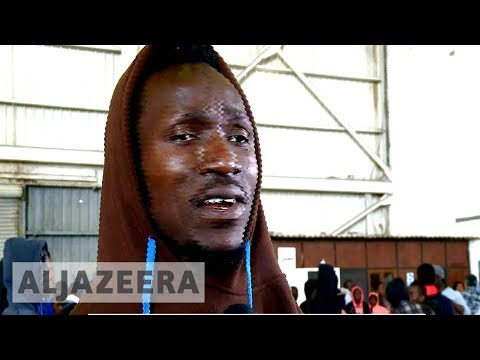 Libya migrant crisis: Thousands of trapped Nigerians return home