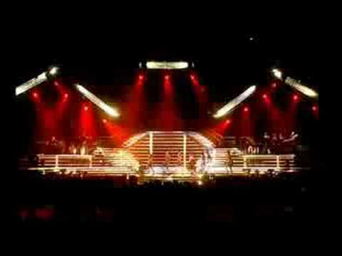 Kylie Minogue - Please Stay (live)