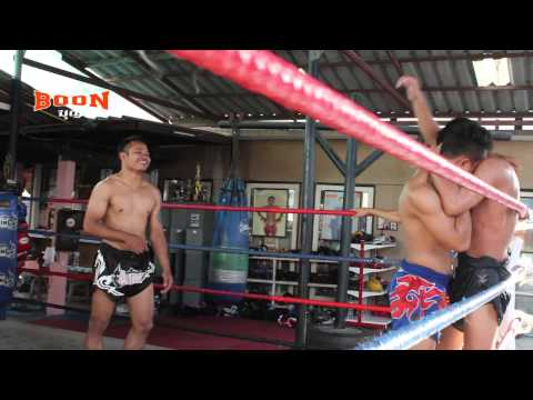 MUAY THAI CLINCHING, PAKORN AT JITTI GYM Image 1
