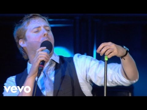 Kaiser Chiefs - Everyday I Love You Less And Less (Live)