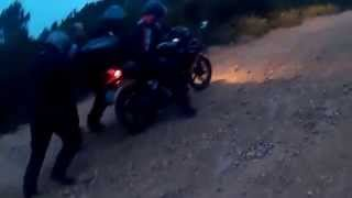 Yamaha YBR 125 vs Bajaj Boxer 150 Offroad Riding
