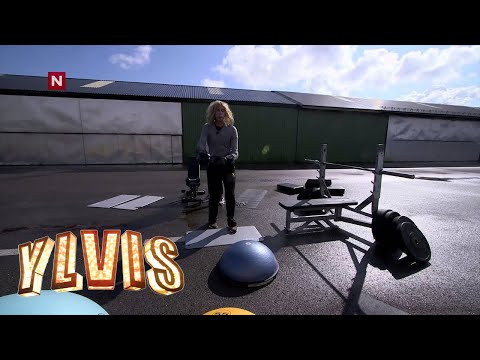 Ylvis - Slapstick battle: Calle vs. Morten Ramm [English subtitles]