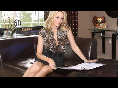 Sweet secretary Jessica Drake is being fucked in her mouth so hot № 194327 бесплатно