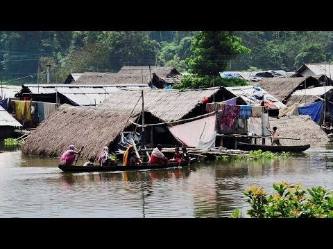 Assam Floods : 1.5 lakh people displaced, rescue operations underway | Oneindia News