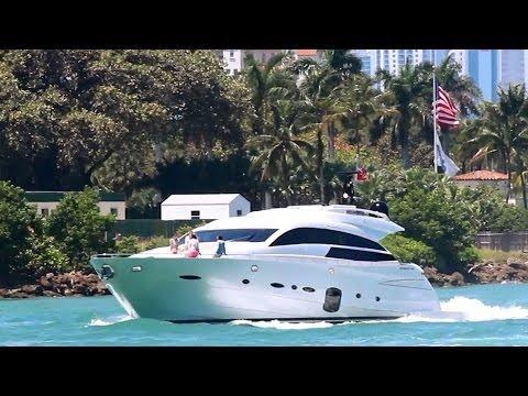 Pershing 92 Yacht | ADDICTION