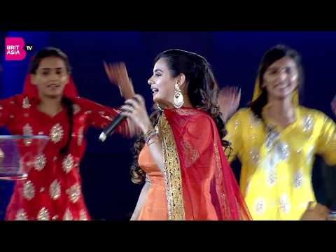 Download Lagu  Sunanda Sharma Performs Live at Punjabi Film Awards 2018 Mp3 Free