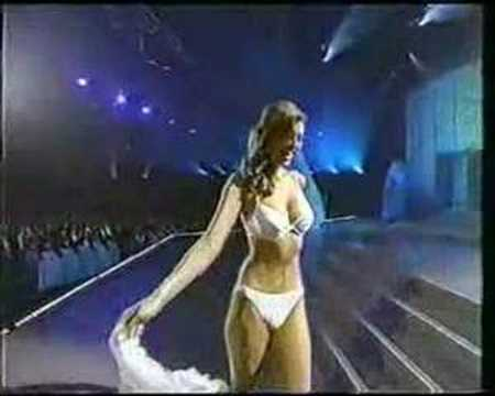 Miss Universe 2002 - Swimsuit Competition