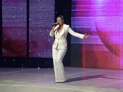 Nina Badrić - Dat će nam Bog @ Miss BiH 2012