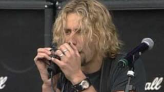Клип Nickelback - Because Of You (live)
