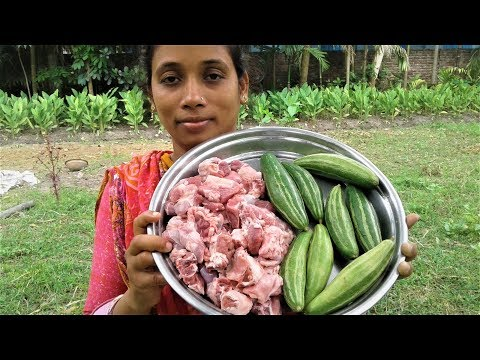 Cooking Mutton Curry with Pointed Gourd Recipe | Village Style Prepared By Street Village Food