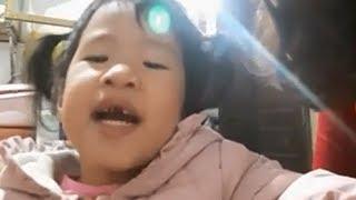 Trò chơi bán hạt bí giúp mẹ xinh gái ❤ Trò chơi trẻ em ❤ Bé sún ngọng líu lô dễ thương nhặt hạt bí