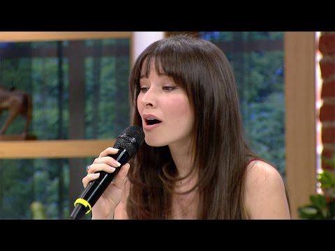 Renkli Sayfalar 178. Bölüm- Güzel oyuncu Açelya Özcan'ın sesi de güzel!