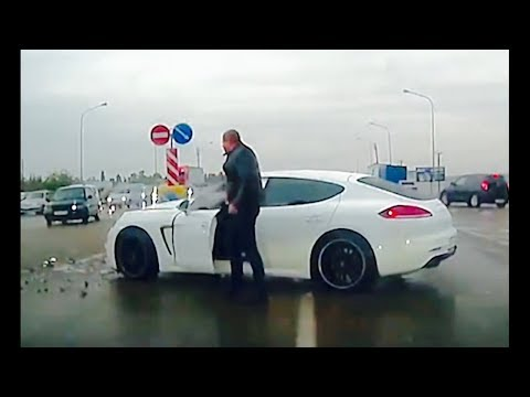 Stupid DRIVERS On RUSSIAN ROADS! Driving Fails October 2018 #6 part