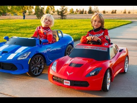 Kid Trax SRT Viper vs Power Wheels Corvette Stingray